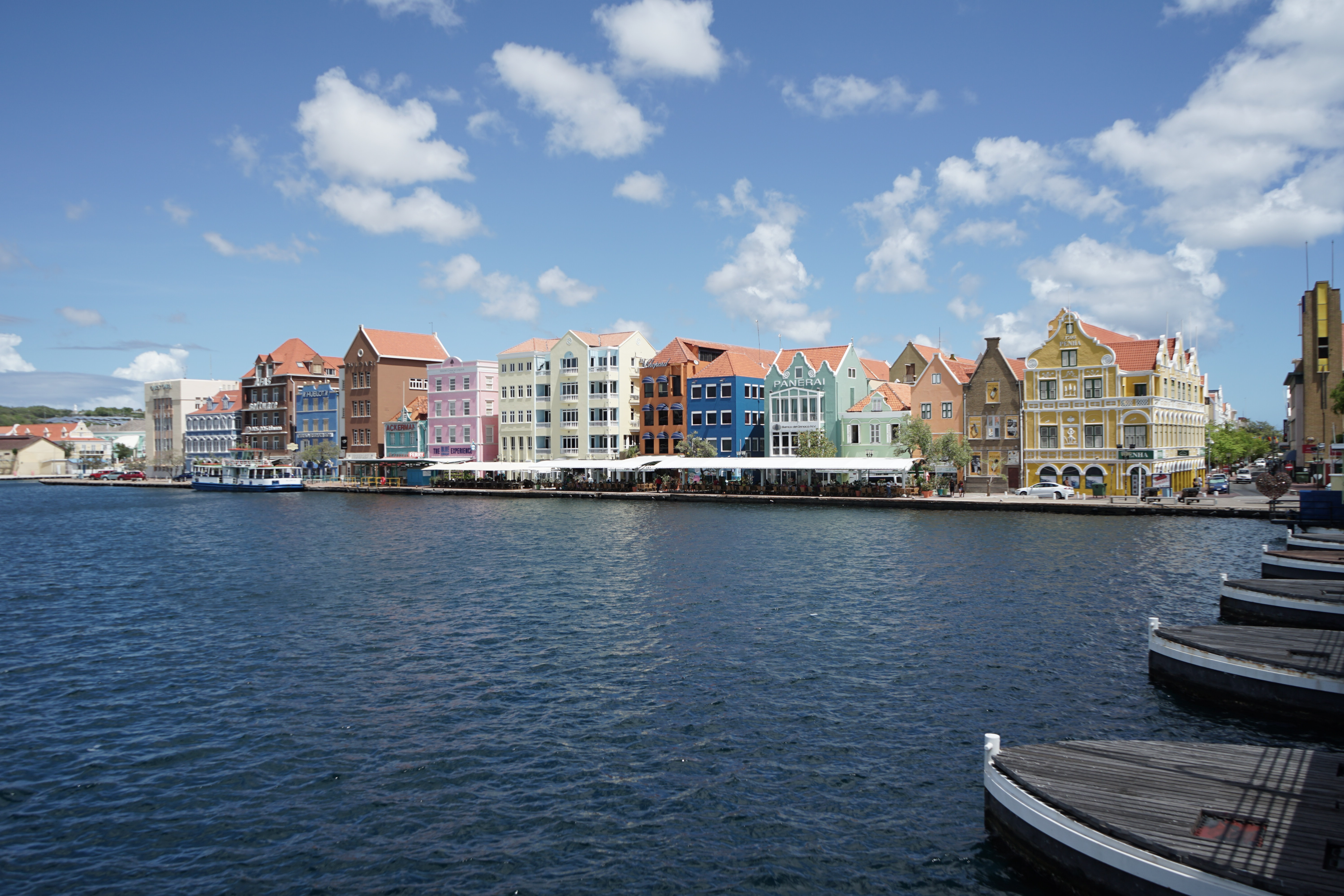 Colorful Willemstad Photo by John de Jong