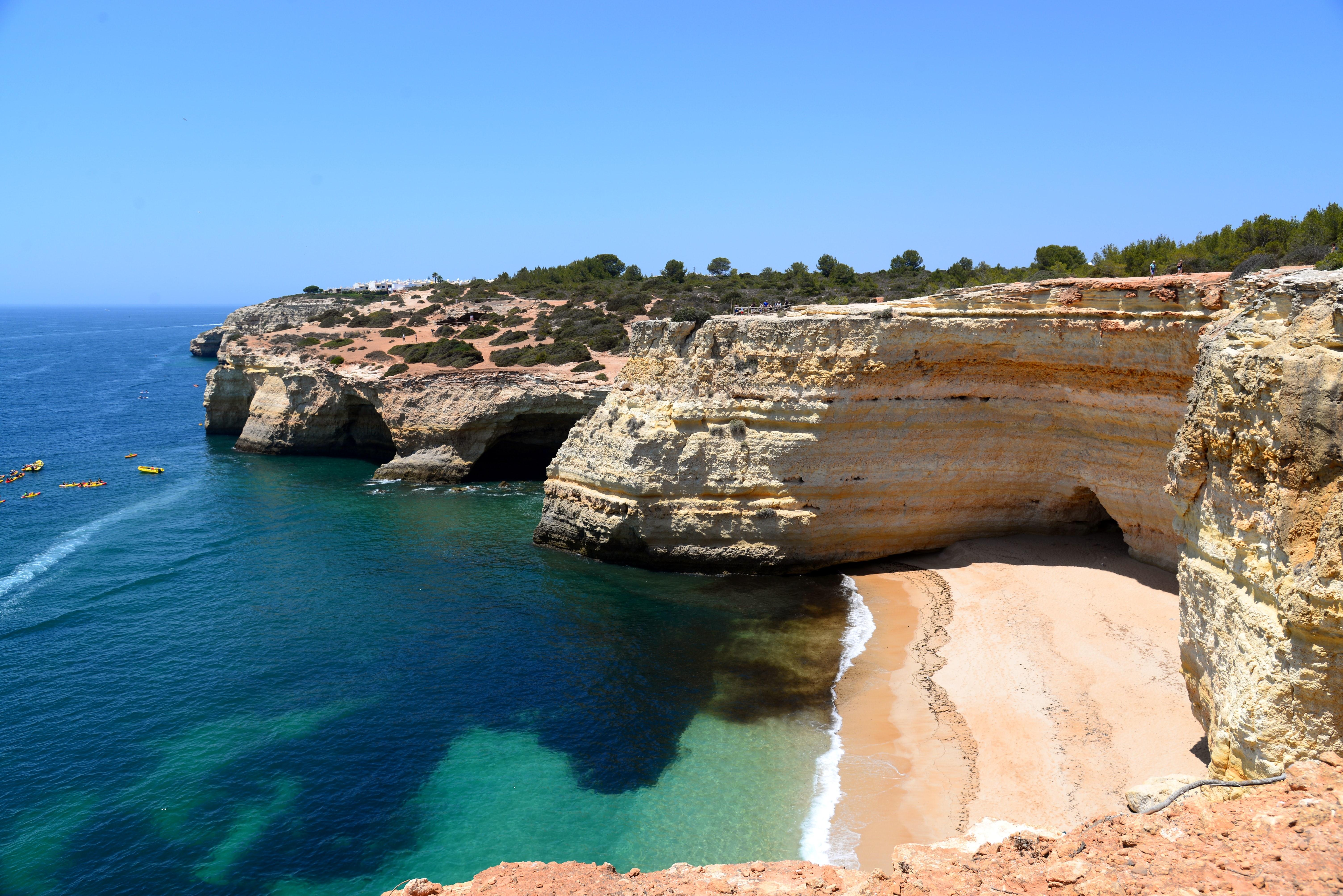 Algarve Portugal Photo by Mélanie Martin