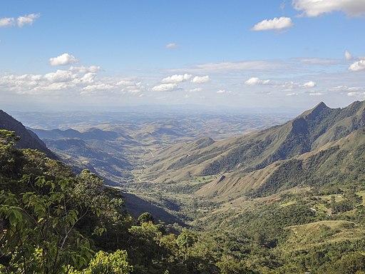 Serra-de-Bocaina-Leandra-Toledo-da-Silva-Brazil-common.wikimedia