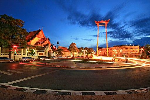 Giant-Swing-Thailand-KOSIN-SUKHUM-commons.wikimedia