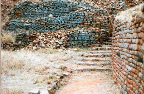 Khami-Ruins-rhodesiansreunited-common.wikimedia