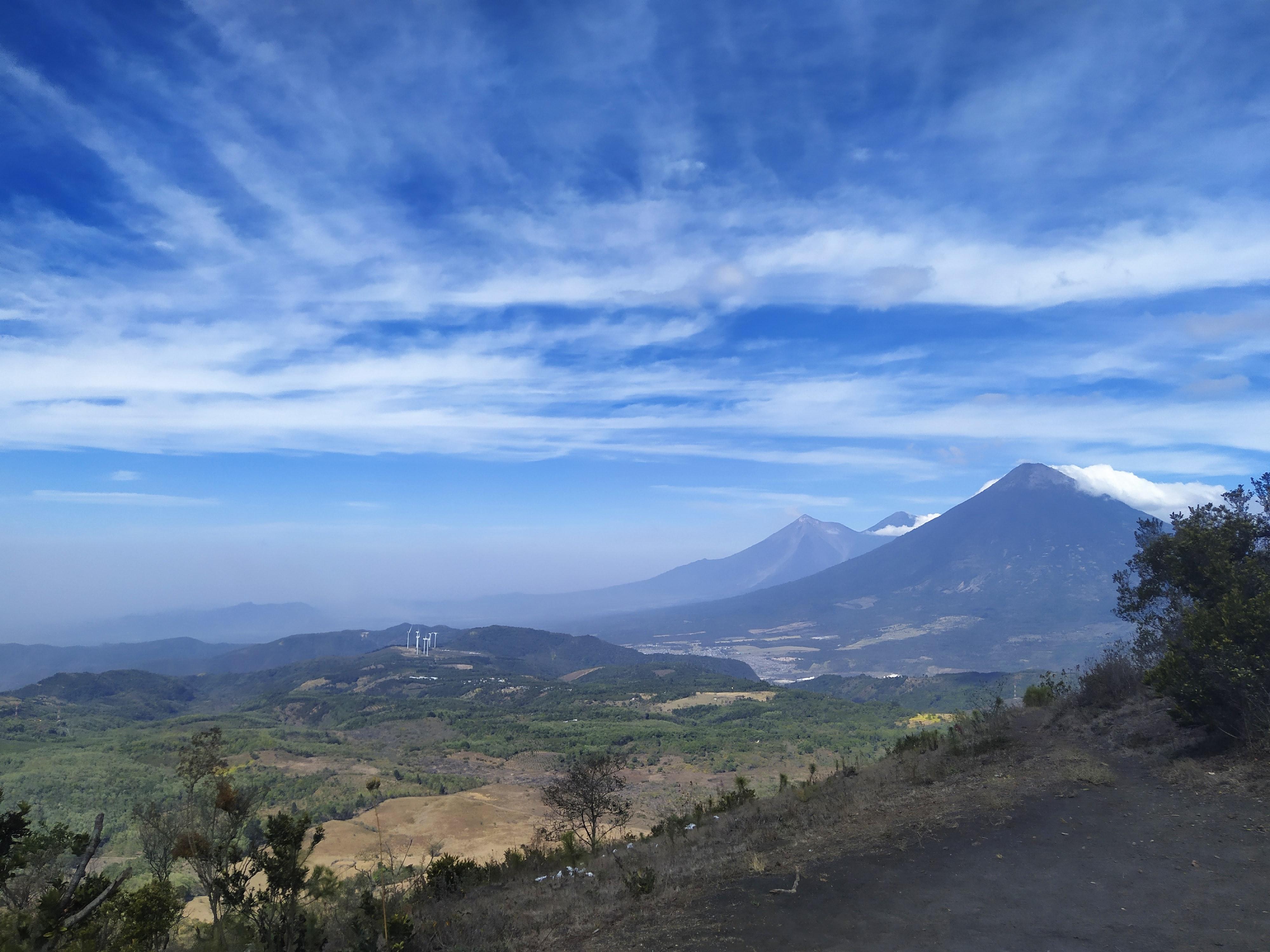 Pacaya Volcano Guatemala Photo by レオネル ラム